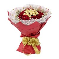16 Pcs Ferrero Rocher Chocolate encircled with 20 Red Roses