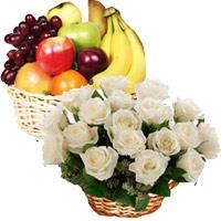 18 White Roses 2 Kg Fresh Fruits Basket