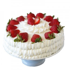 1 Kg Strawberry Cake in Season Only