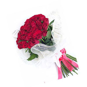 Beautiful Bunch of 12 Red Roses