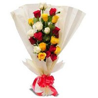 Mix Roses Bouquet in Crepe Wrap 12 Flowers