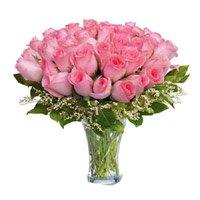 Pink Roses in Vase 50 Flowers
