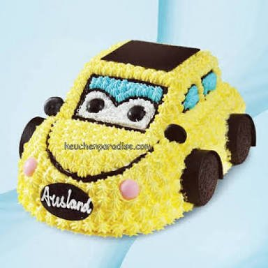 1.5 Kg Yellow Car Cake in pineapple flavor
