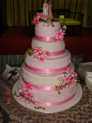 5 tier of vanilla butter cream cake of 4 KG