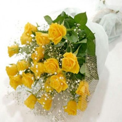 12 Yellow Roses Bunch decorated and Wrapped beautifully
