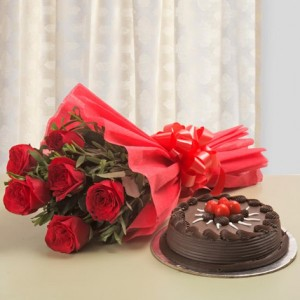 500 gms Chocolate Cake With 6 Red Roses Bunch