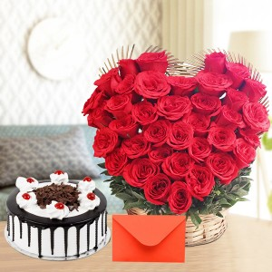 Symbol of Love comprise 500 gms cake with flower