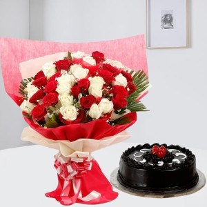 Vivid Memories  Combo comprise half kg cake with flower