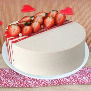 Fresh 500 gms Strawberry Cake