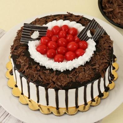 lovely 500 gms Black Forest Cake