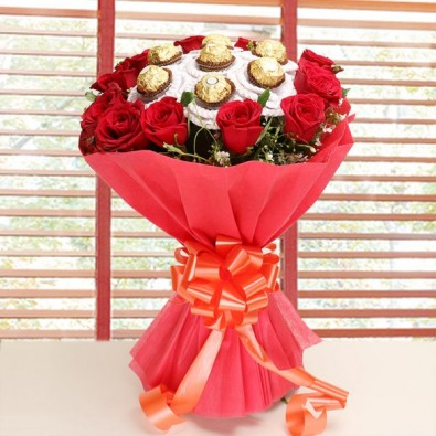 12 Red Roses with7 pcs Ferrero Rocher