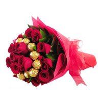 16 pcs Ferrero Rocher 24 Red Roses Bouquet