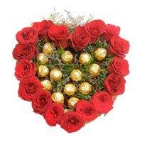 Heart Of 16 Pcs Ferrero Roacher N 18 Red Roses